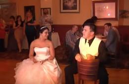 30 Good Popular Garter Toss Songs for a Wedding